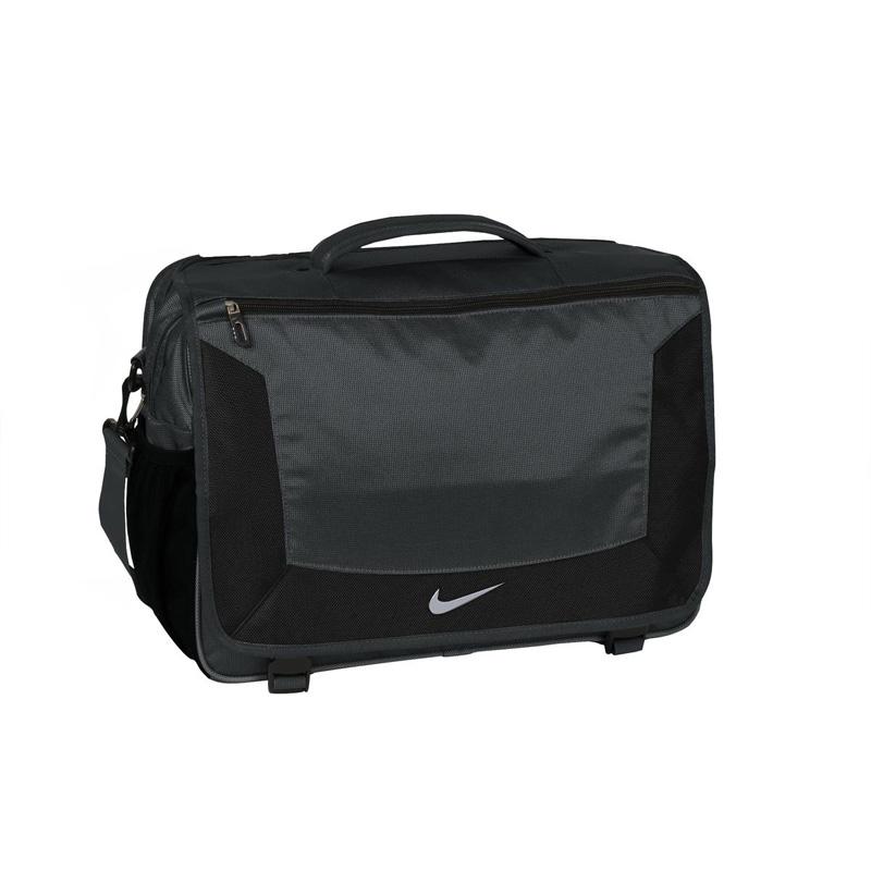 Nike Golf Elite Messenger. TG0244 7108c415a1